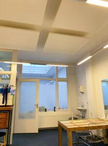 akoestiek tandartspraktijk plafondeiland