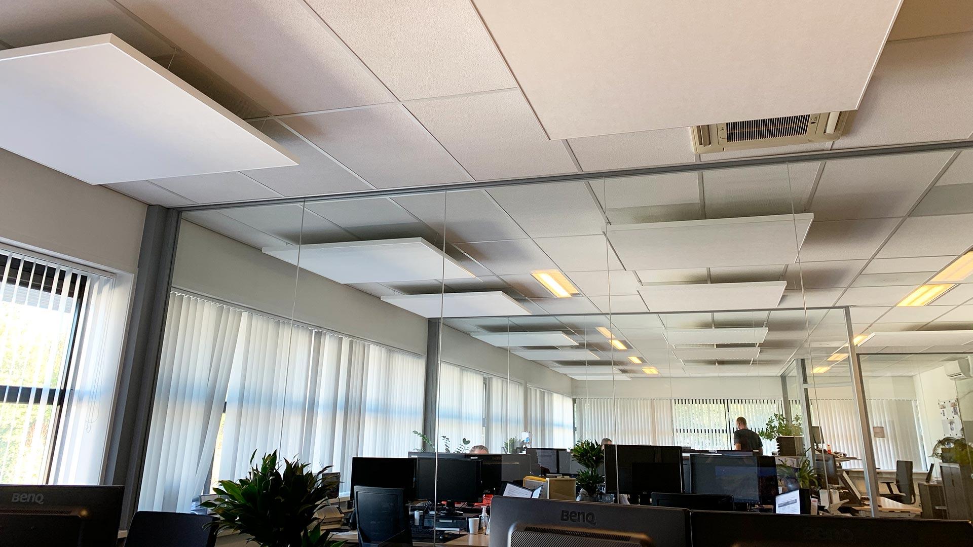 kantoor geluid verbeteren akoestiek