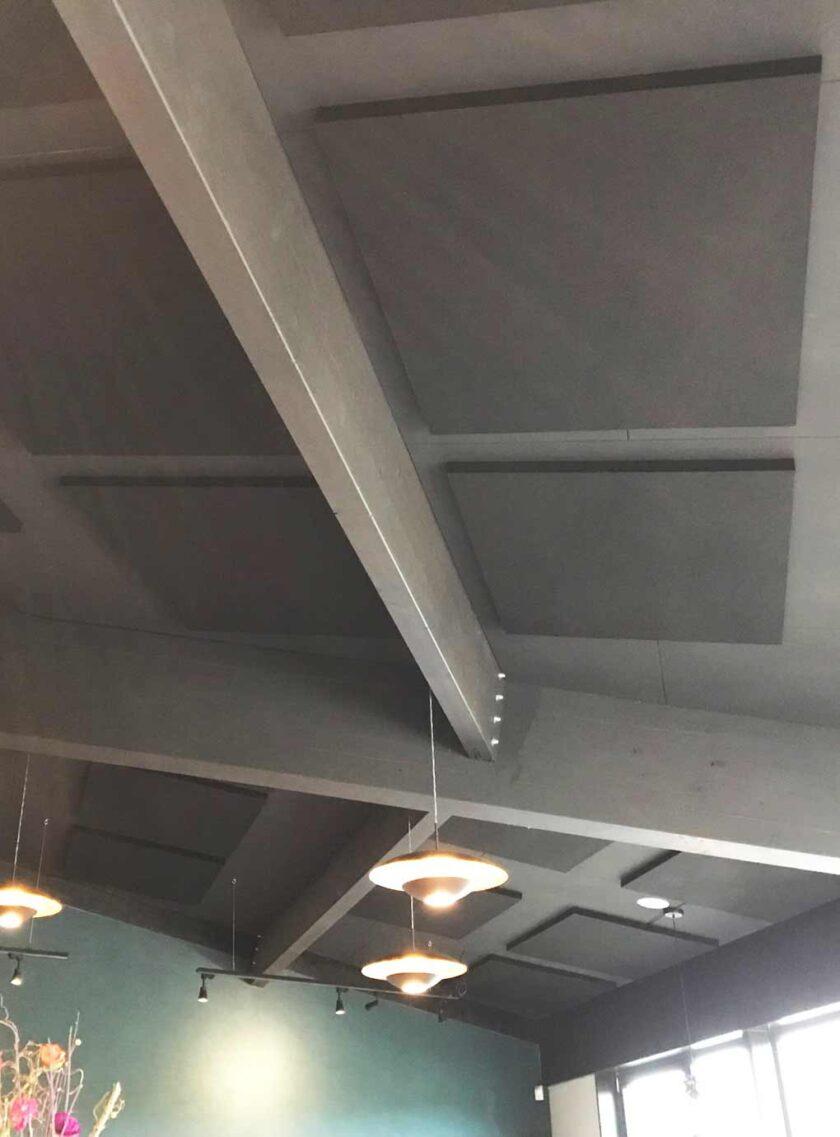 Akoestisch polyesterwol in restaurant